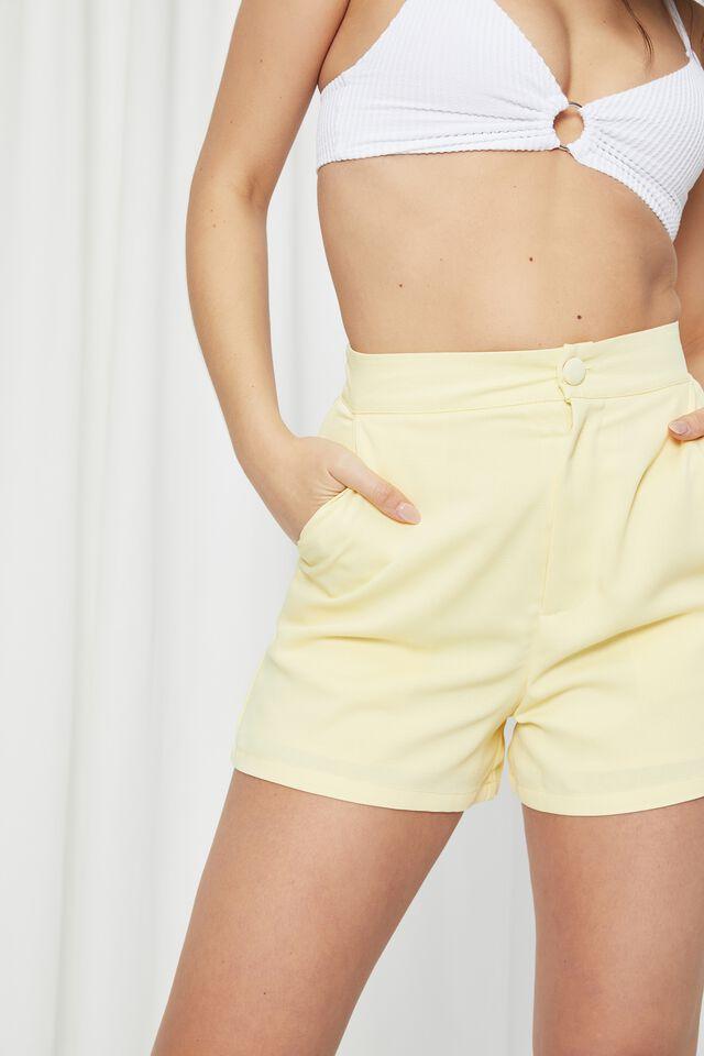 Britney Tailored Short, CRISP YELLOW