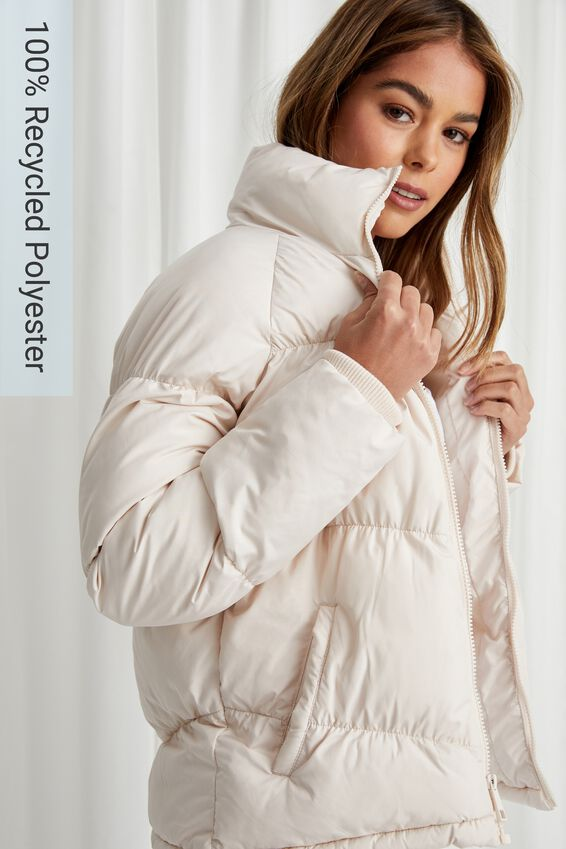 The Classic Feel-Good Puffer Jacket, COOKIES AND CREAM