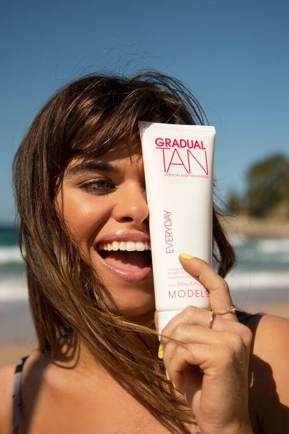 ModelCo Gradual Tan Everyday Body Moisturiser 230ml, NATURAL TAN